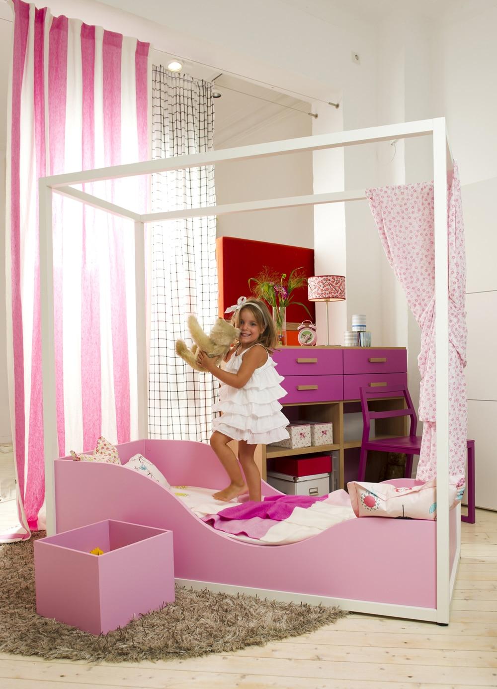 Kinderbett Himmelbett für kleine Mädchen