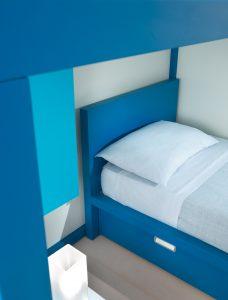 Kinderbett mit Schubladen für Jungen