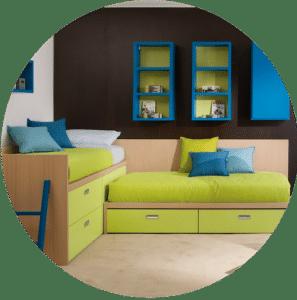 Halbhohes Kinderbett mit Schubladen