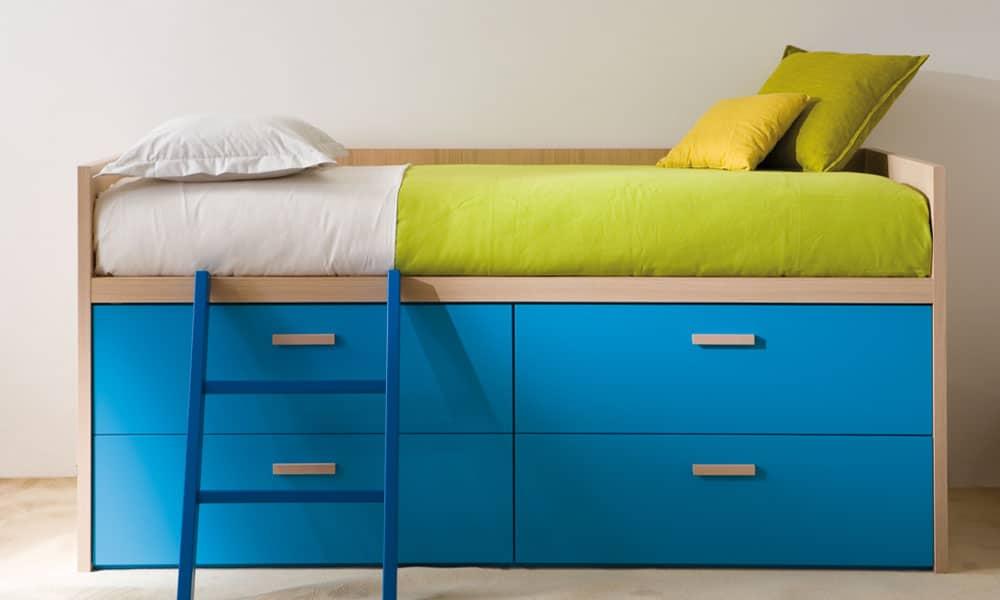 hochwertig grün blaues halbhohes Kinderbett von Mobimio und Dearkids