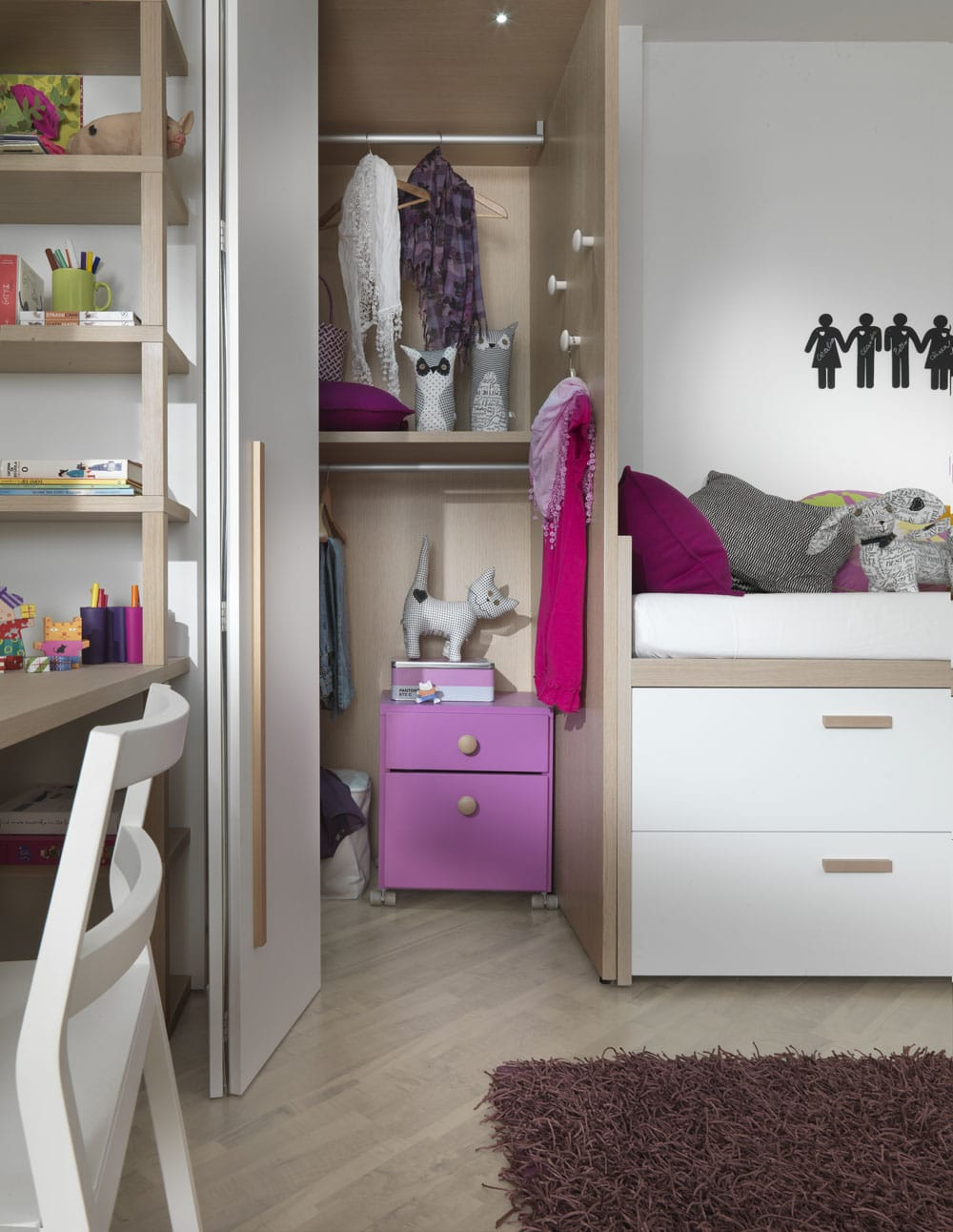 hochwertiger kleiderschrank f rs kinderzimmer jugendzimmer. Black Bedroom Furniture Sets. Home Design Ideas