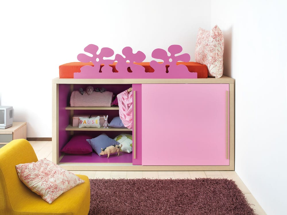 hochwertiger kleiderschrank f rs kinderzimmer jugendzimmer. Black Bedroom Furniture Sets. Home Design Ideas